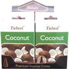 Cocco di cocco con coni di sarathi di tulasi