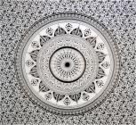 Impiccagione a muro bianco e nero di Mandala