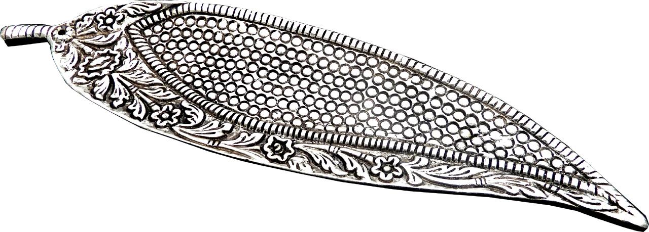 Porte encens ciselé feuilles métal 24cm