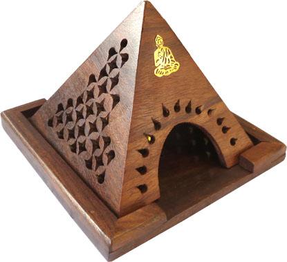 Porte encens cones en bois pyramide bouddha 13cm