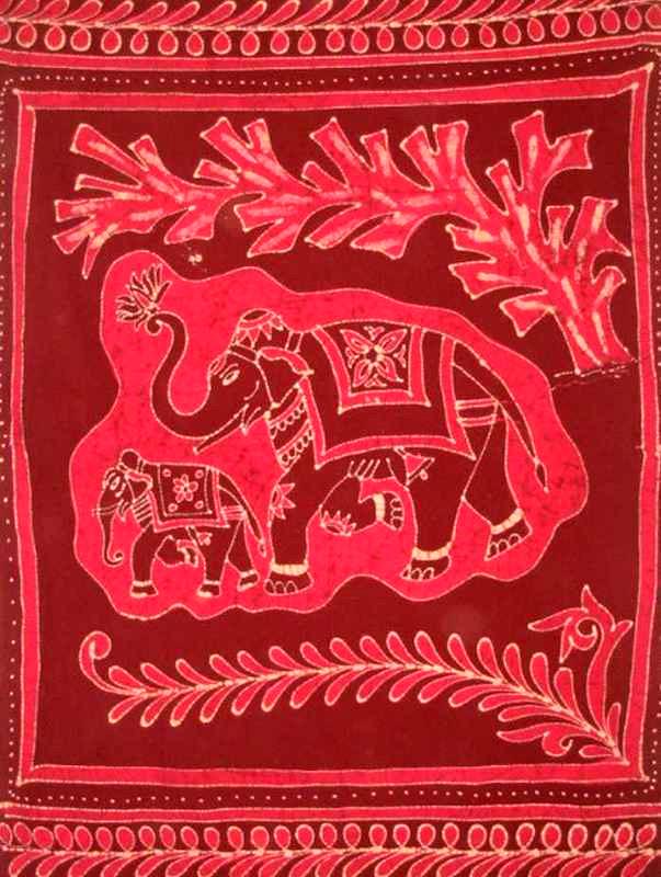 Tenture Batik Deux Elephants Rouges
