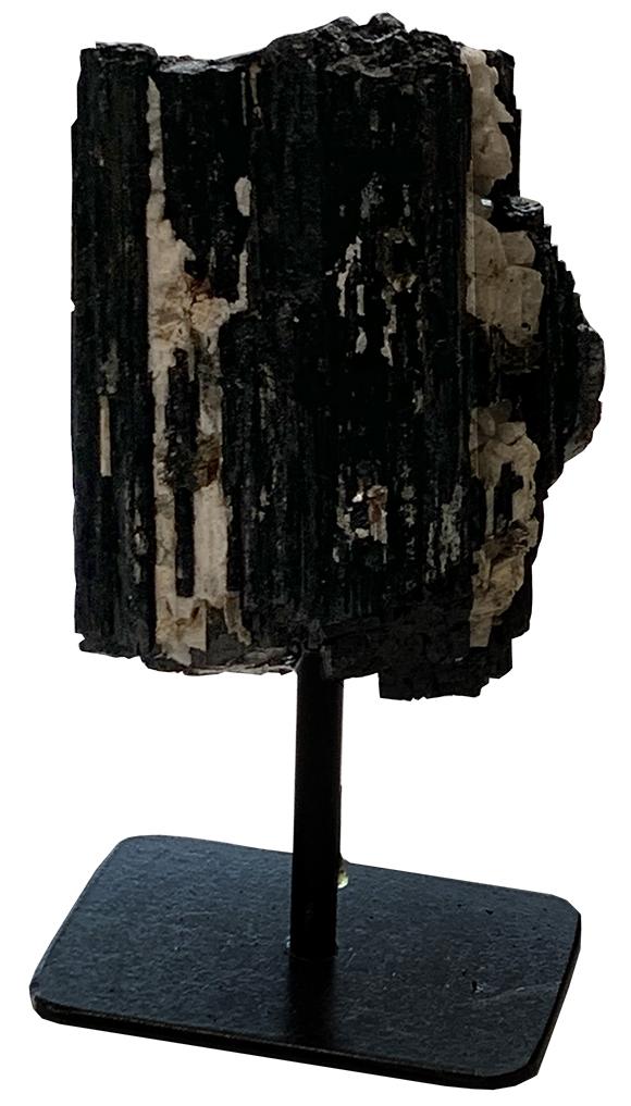 Tourmaline noire cathédrale brute AA sur socle